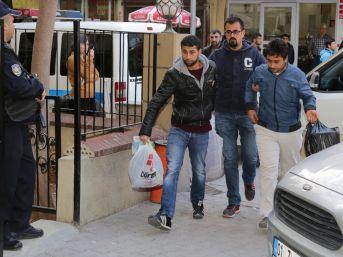 Adana'da Deaş'a Eleman Kazandırdığı İddia Edilen 25 Kişi Adliyeye Sevk Edildi