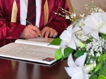 Aydın'da 2016'da Evlenen Dört Çiftten Biri Boşandı