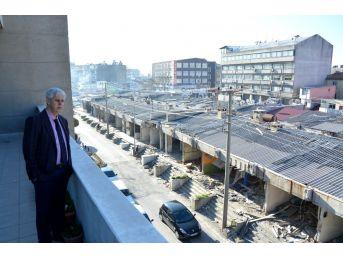 Söke Belediyesi, Koyuncuoğlu Pasajında Yıkımı Başlattı