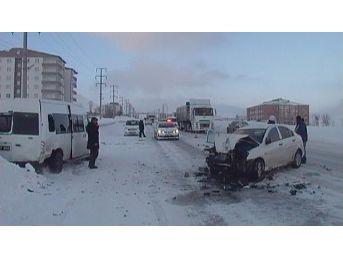 Bitlis'te Kaza: 5'i Öğrenci 6 Yaralı