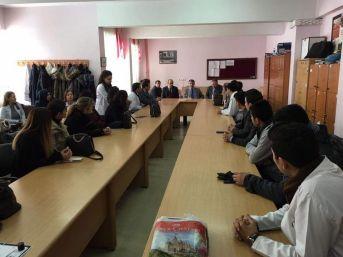 Kaymakam Özkan'dan Okul Ziyaretleri