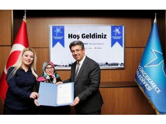 Başkan Karadeniz'den Küçükçekmeceli Esnafa Ruhsat