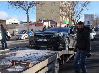 11 Araç Birbirine Girdi, Yardıma 11 Yaşındaki Suriyeli Nurettin Koştu