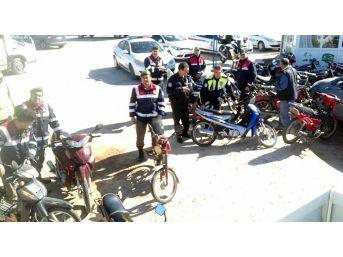 Erdemli'de Motosikletlere Denetim