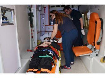 Milas'ta İki Motosiklet Çarpıştı; 3 Yaralı