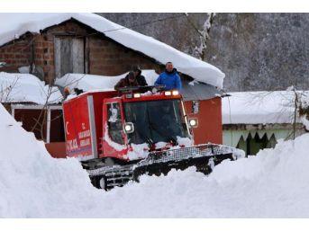 Kar Yolu Kapadı, Hastaya 8 Saatte Ulaşıldı