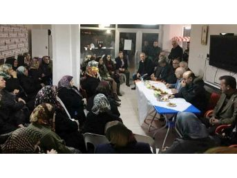 Kadınlar Kıraathanede Toplandı