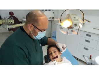 14 Şubat Öncesi Gençlerde Diş Bakımı Telaşı