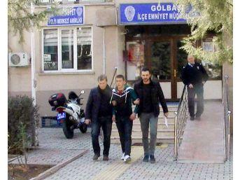 Hırsızlıktan Aranan Asker Kaçağı Polis Tarafından Yakalandı