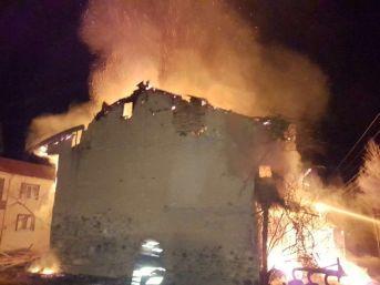 Sandıklı'da Ev Yangını