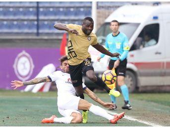 Spor Toto Süper Lig: Osmanlıspor: - Medipol Başakşehir: 1 (ilk Yarı)