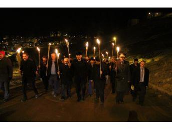 Bayburt 'şehitlere Saygı Yürüyüşü'nde Buluştu