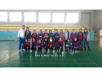 Tatvan'da Badminton Kursu