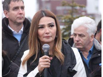 Azerbaycan Milletvekili Paşayeva 'karabağ Parkı' Açılışında Gözyaşlarını Tutamadı