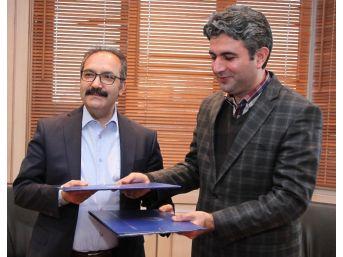 Suriyeli Öğrencilerin Ders Kitaplarını Gaziantep Üniversitesi Akademisyenleri Yazacak