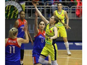 Fenerbahçe Kadın Basketbol Takımı Çeyrek Finale Galibiyetle Çıktı