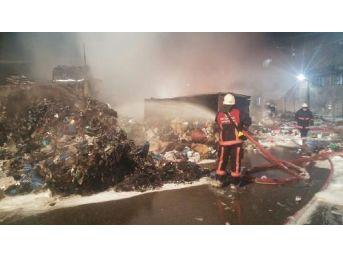 Sultangazi Ambalaj Atığı Aktarma Tesisleri'nde Yangın Çıktı(Geniş)