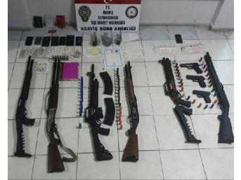 Ödemiş'te Fuhuş Şebekesine Operasyon: 11 Gözaltı