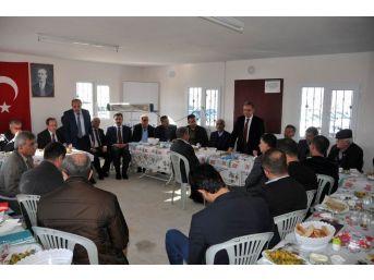 Vali Tapsız'ın Muhtarlarla Toplantıları Devam Ediyor