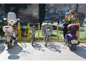 İzmit'te Bisiklet Park Yerlerinin Sayısı Artıyor