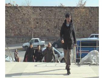 Strazburg Eğitim Ataşesi Serbest Bırakıldı, Oğlu Tutuklandı