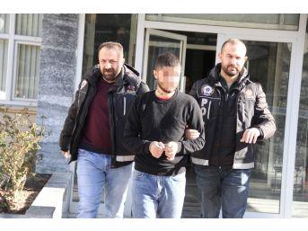 Uyuşturucu Ticareti İddiasına 2 Gözaltı