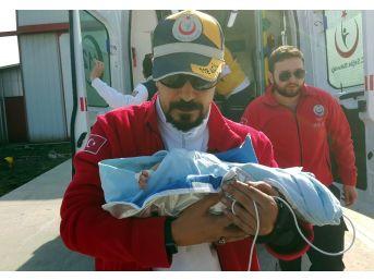Ambulans Helikopterler 3 Günlük Bebek İçin Havalandı