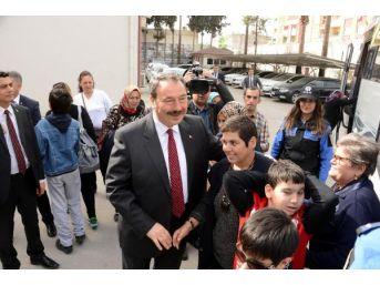 Adana'da Emniyetten Engelli Öğrencilere Gezi