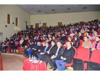 """Üniversite Öğrencileri Tarafından """"istanbul Efendisi"""" Adlı Tiyatro Oyunu Sahnelendi"""