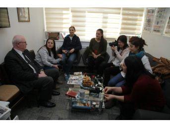 Başkan Kurt, Kadın Gazetecilerin Dünya Emekçi Kadınlar Günü'nü Kutladı