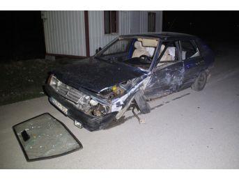 Sakarya'da İki Otomobil Çarpıştı: 7 Yaralı