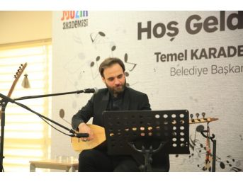 Hacıoğlu'nun Sazı Ve Sesinden Anadolu Ezgileri