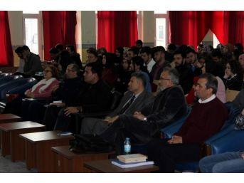 Mustafa Özçelik, Bilinmeyen Akif'i Anlattı
