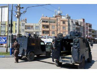 Adana'da Nevruza Izin Çıkmadı, Polis Kuş Uçurtmadı