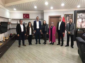 Ak Partili Kadınlardan Türk Metal Sendikasına Taziye Ziyareti