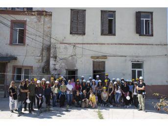 Ekonomili Öğrencilerden Kuşadası'na 'sıfır Atık' Restoran