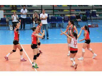 Karşıyaka Voleybol'da Finallere Kalamadı