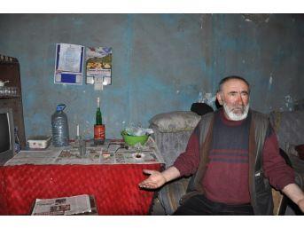 Kars'ta Kalp Hastası Yaşlı Adam Mum Işığında Yaşam Mücadelesi Veriyor