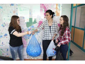 Öğrenci Yurdundan Mavi Kapak Kampanyasına Destek