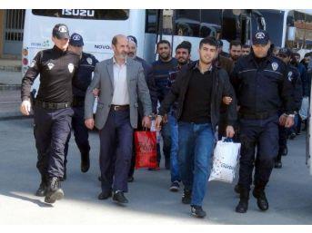 Mersin'de Pkk/kck Şüphelisi 27 Kişi Adliyeye Çıkarıldı