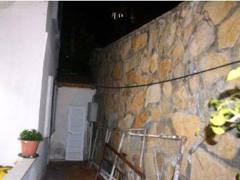 Emekli Öğretmen Bahçe Sularken Duvardan Düşüp Öldü