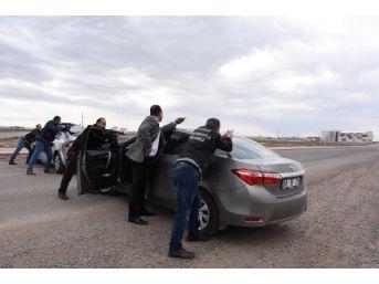 Aksaray'da Uyuşturucu Operasyonu, 30 Kilo Esrar Ele Geçirildi