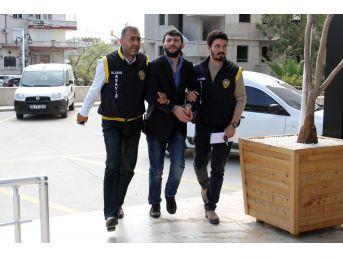 Antalya'da 6 Ayrı Suçtan Aranan Şüpheli Kahvahanede Yakalandı