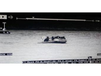 Kuşadası Körfezi'nde 53 Kaçak Göçmen Yakalandı