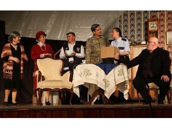 10 Yıllık Amatör Tiyatrodan Özel Gösterim