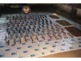 Sur'da Boş Evde Pkk Cephaneliği Çıktı