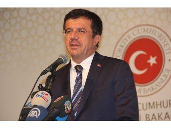 Bakan Zeybekci, İzmir'de İş Dünyası Temsilcileriyle Bir Araya Geldi
