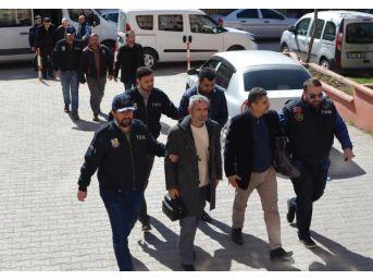 Karabük'te Fetö'den 19 Kişi Adliyede