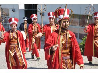 Okü Öğrencileri Mehter Takımı Kurdu