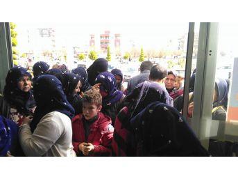 Viranşehir Belediyesinden 50 Bin Kişiye Giyim Yardımı